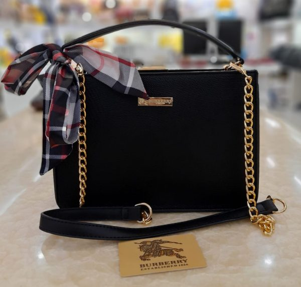 Bag for Women with golden chain Black color